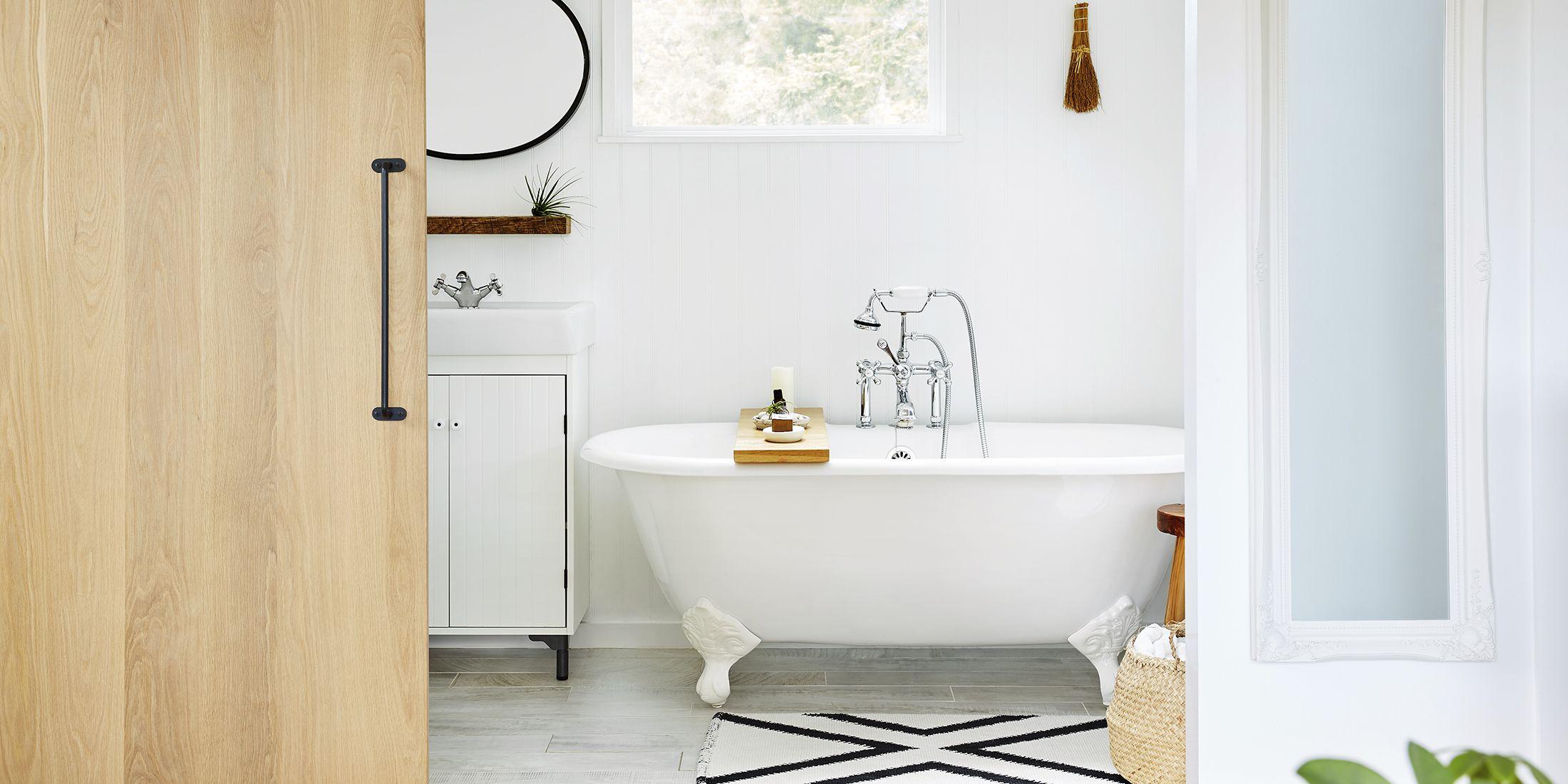 Nepriekaištingai sutvarkytas, švarus vonios kambarys